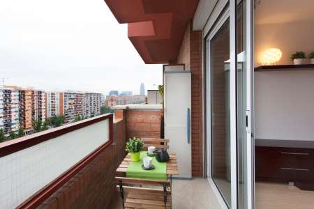 Apartment for Rent in Barcelona Gran Via - Bac De Roda