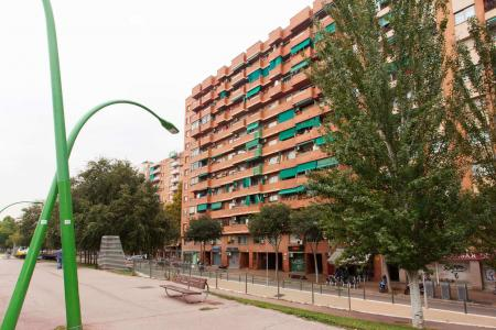 Appartement te huur in Barcelona Gran Via - Bac De Roda
