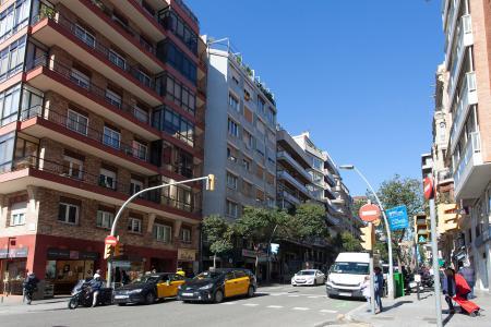 Piso en Alquiler en Barcelona Muntaner - Galvany (min. 6 Months)