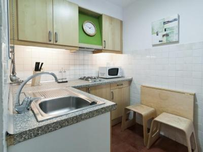 Appartement te huur in Barcelona Reina Amalia - Rda. St. Pau (special Conditions)