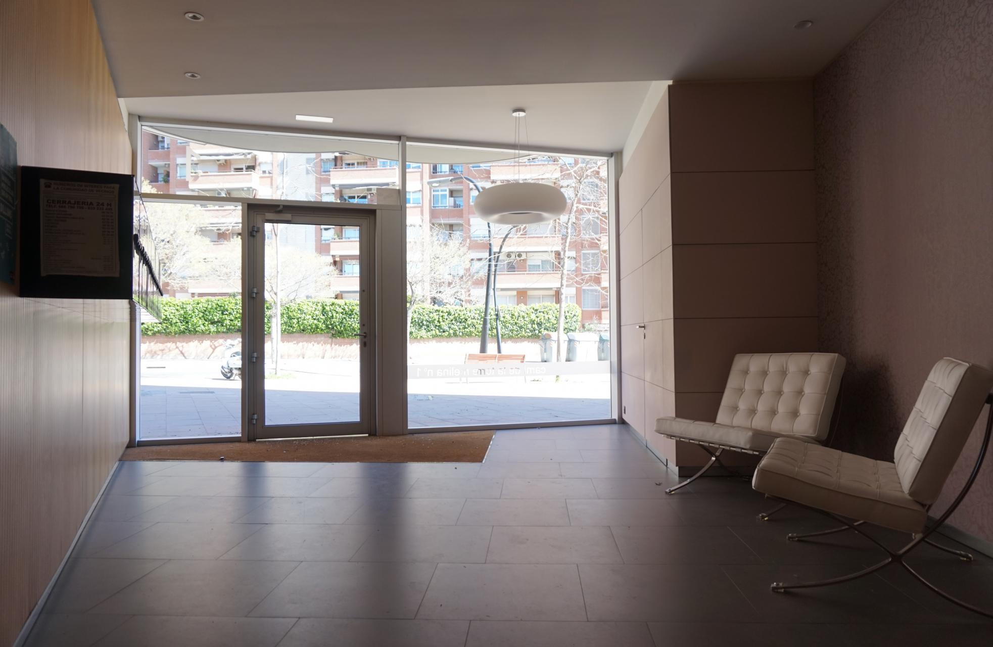 Piso en alquiler barcelona les corts cam torre melina for Piso alquiler les corts