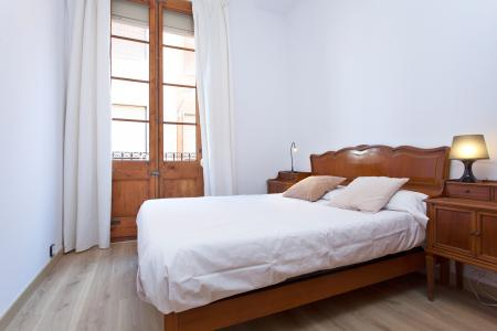 Magnificent three bedroom flat to rent in Gracia