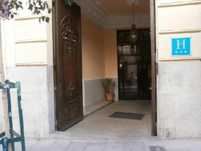 Penthouse for Rent in Madrid Pizarro-plaza España