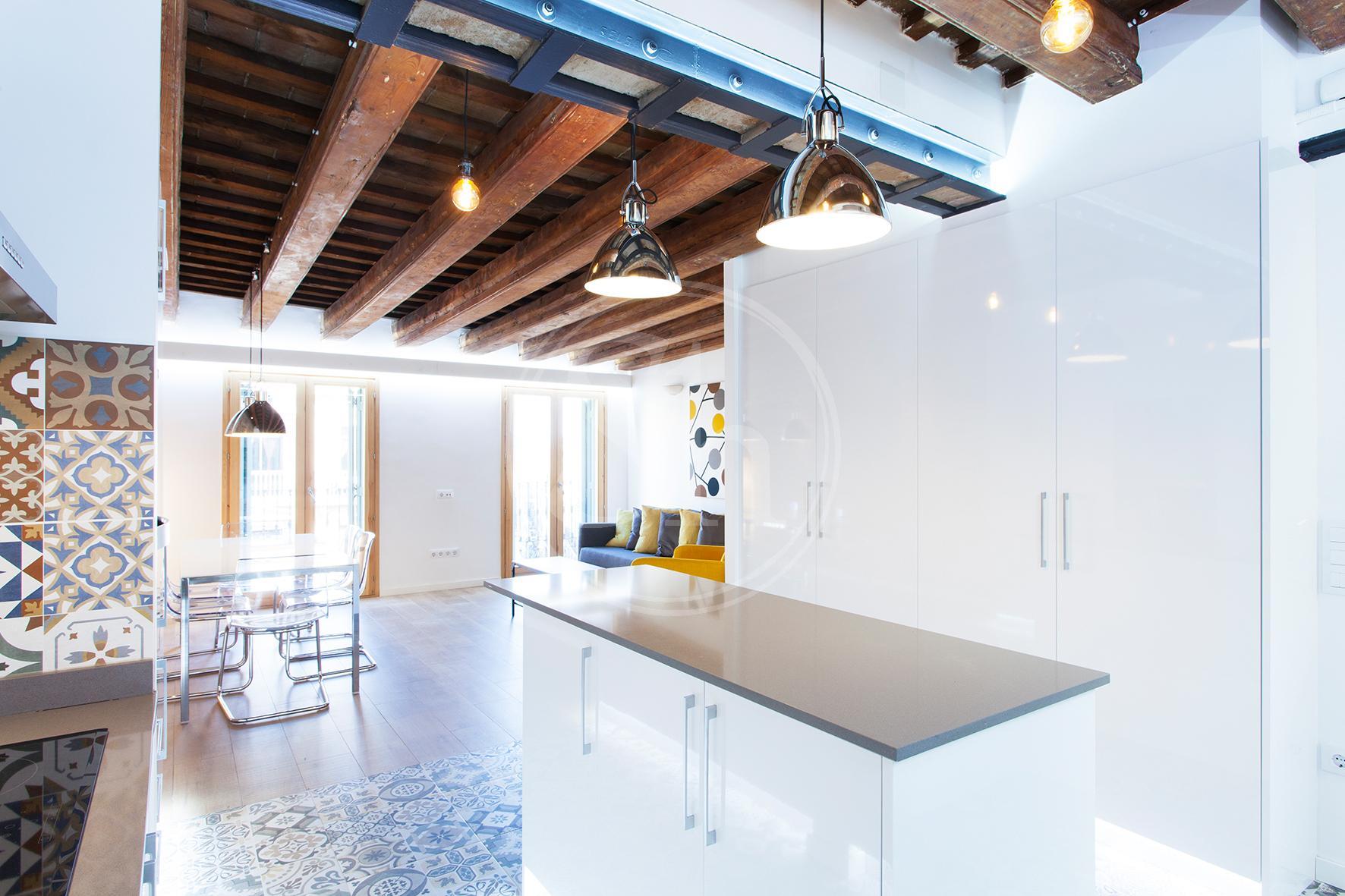 Exclusivo piso en alquiler por temporadas en Carrer de Fontanella