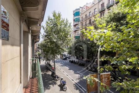 Piso en venta en Barcelona Diputació - Viladomat