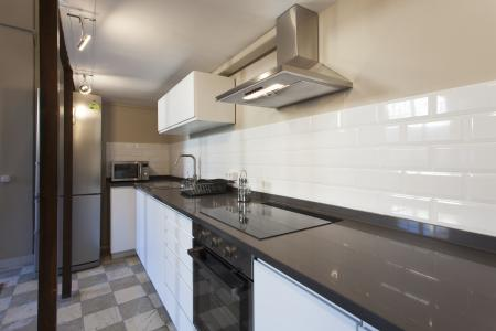 Luminous and renovated flat for rent in the Born district