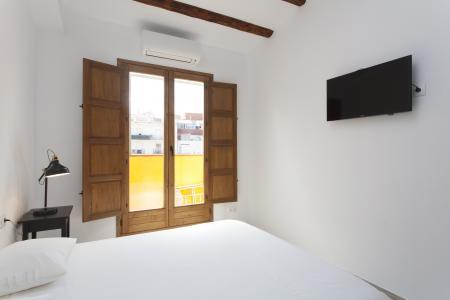 Apartamento de dois dormitórios para alugar na R/ Alcolea