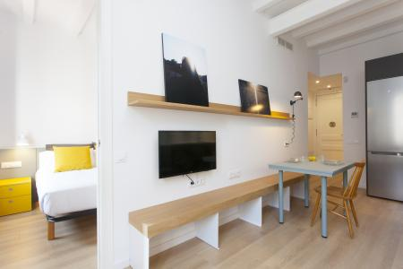 Se alquila piso en Barcelona c/ Roser - Avenida Paralelo