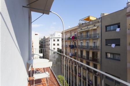 Moderno piso de alquiler para estancias máximas de 12 meses