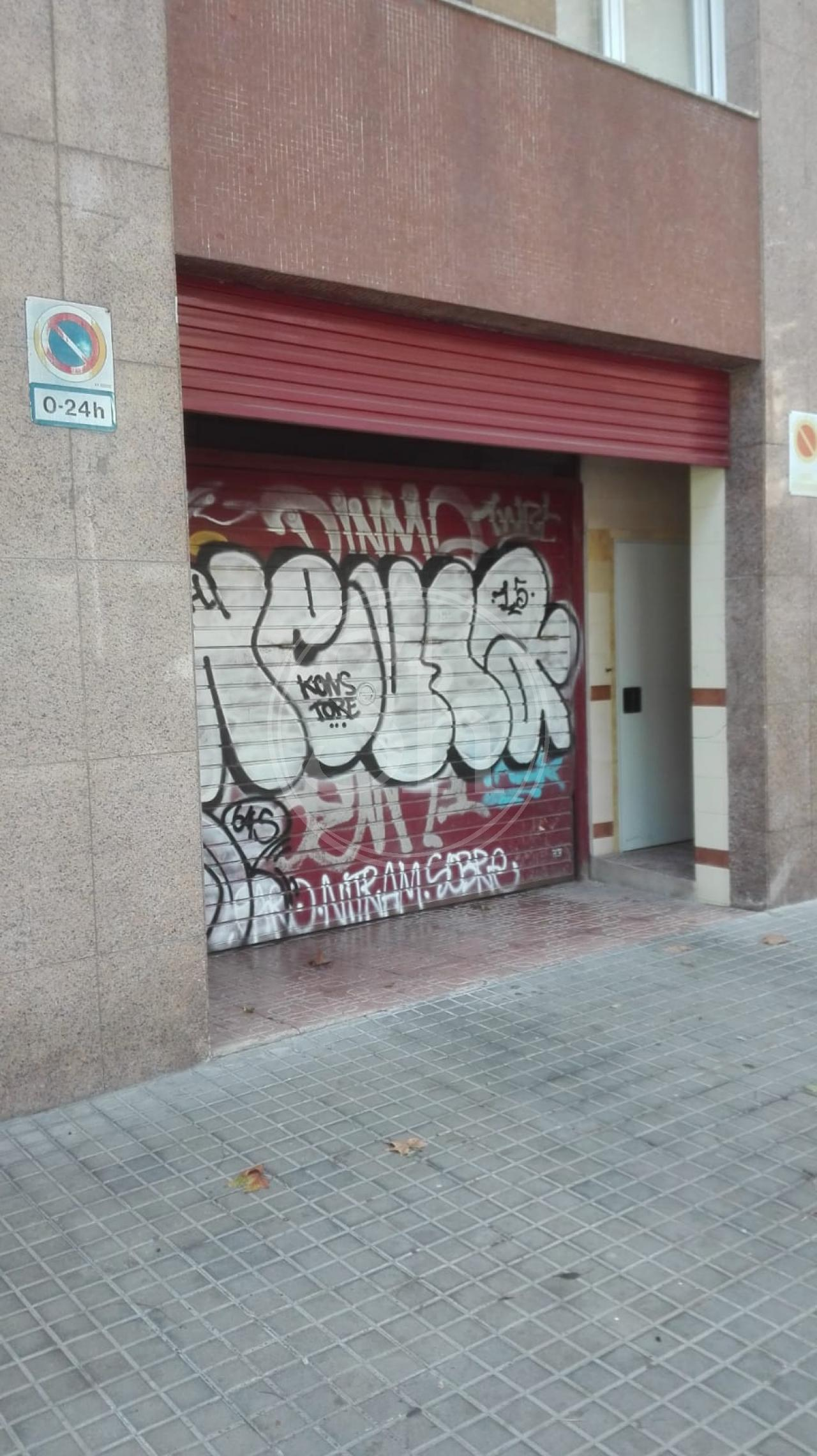 Parking for sale in Barcelona Castillejos - Consell De Cent