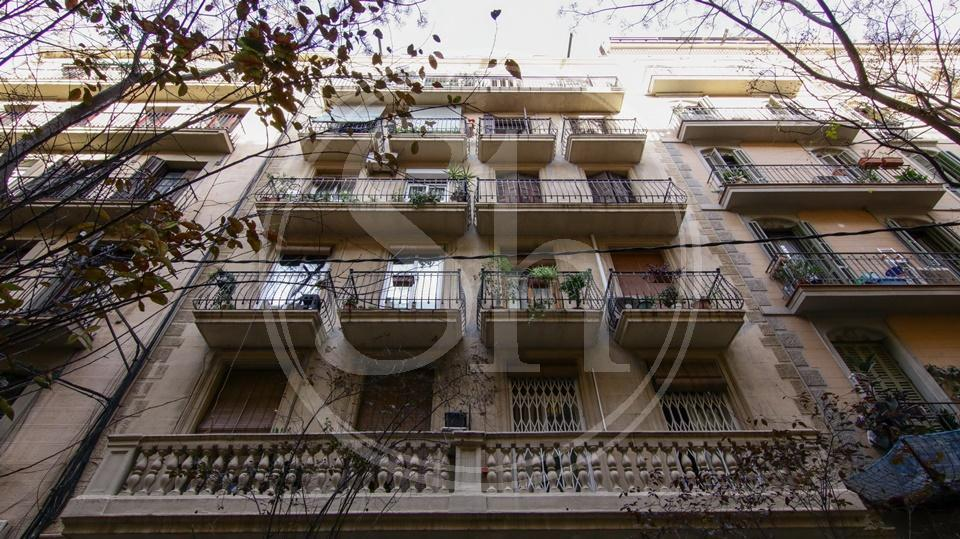 Apartment for sale in Barcelona Passatge Font - Valencia