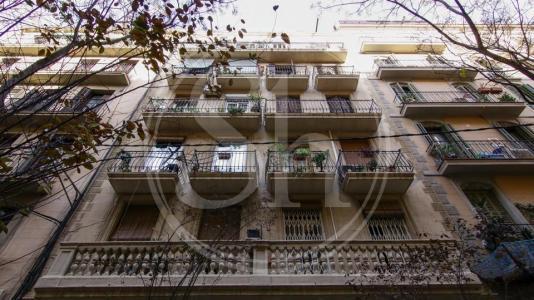 Piso en venta en Barcelona Passatge Font - Valencia