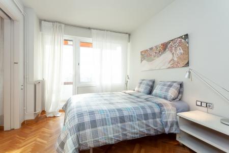 Amplio piso con balcón de alquiler en l'Eixample