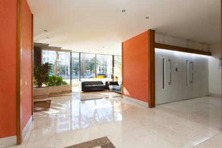 Amplo apartamento com varanda para alugar no L'Eixample