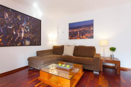 Seductive property to rent with balcony in Eixample