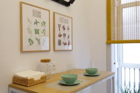 Excelente apartamento de aluguel na Rua Girona -  Consell de Cent