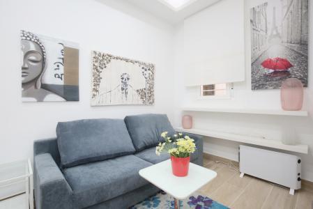 Apartamento cálido de alquiler en Avenida Reina Victoria, cerca de Nuevos Ministerios.