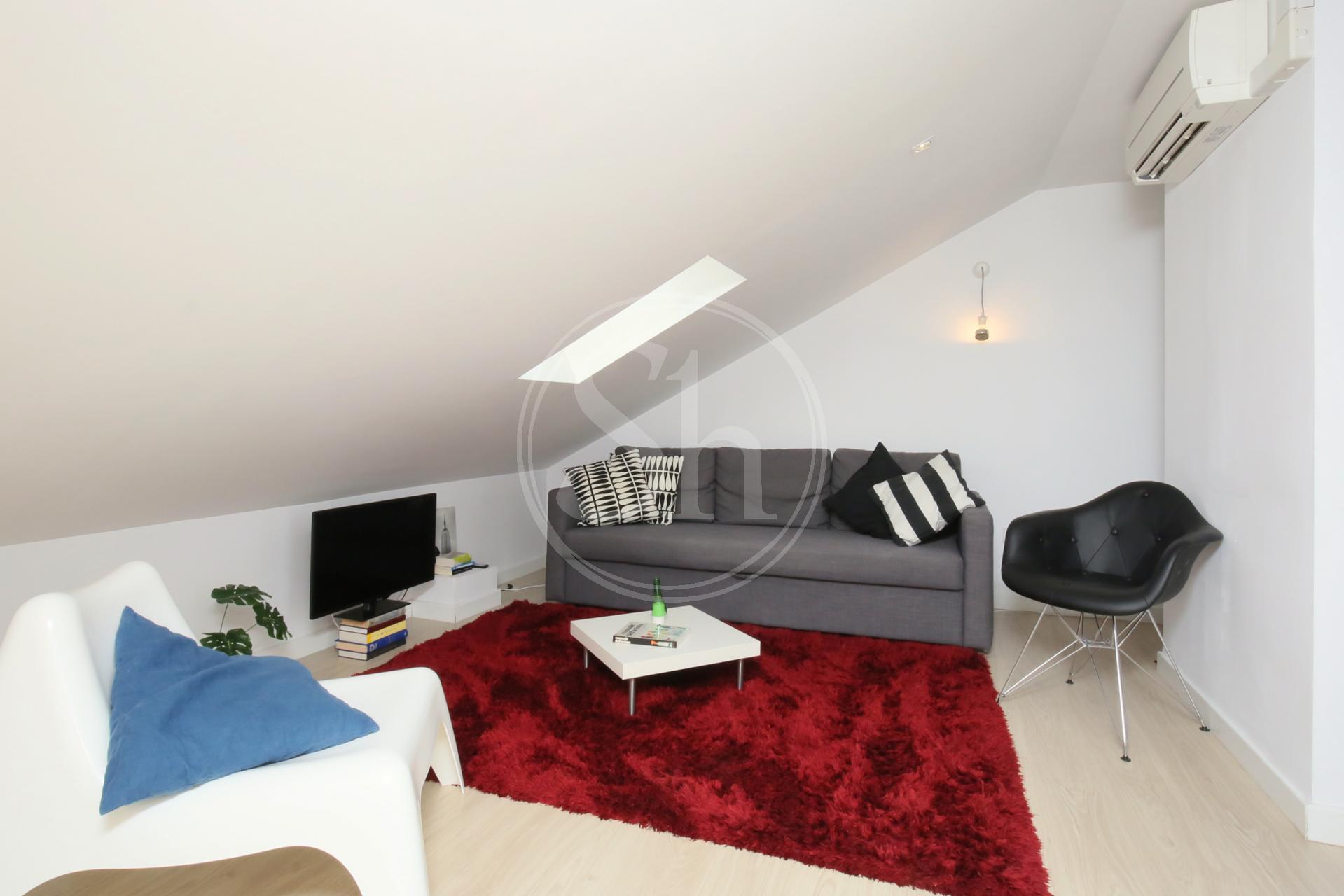 Estupendo piso de dos habitaciones en Plaza Luca de Tena