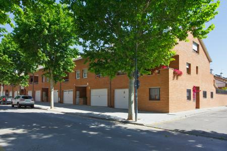 Unifamiliar adosada te koop in Castellar del Vallès Josep Irla - Angel GuimerÀ
