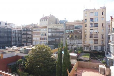 Appartamento in Affitto a Barcelona Aragó - Pau Claris