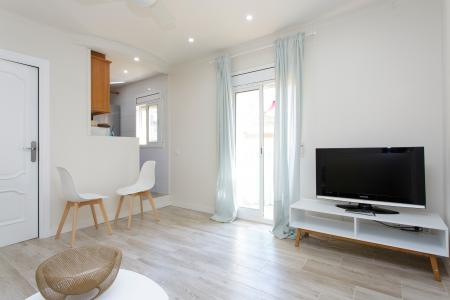 Cosy double bedroom flat to rent with balcony in Barceloneta