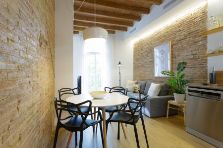 Luminoso appartamento in affitto in via Llull
