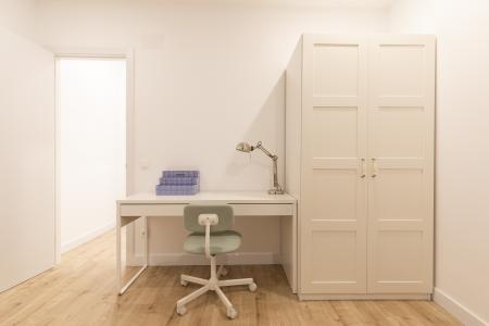 Ampio appartamento in affitto in via Joaquim Costa