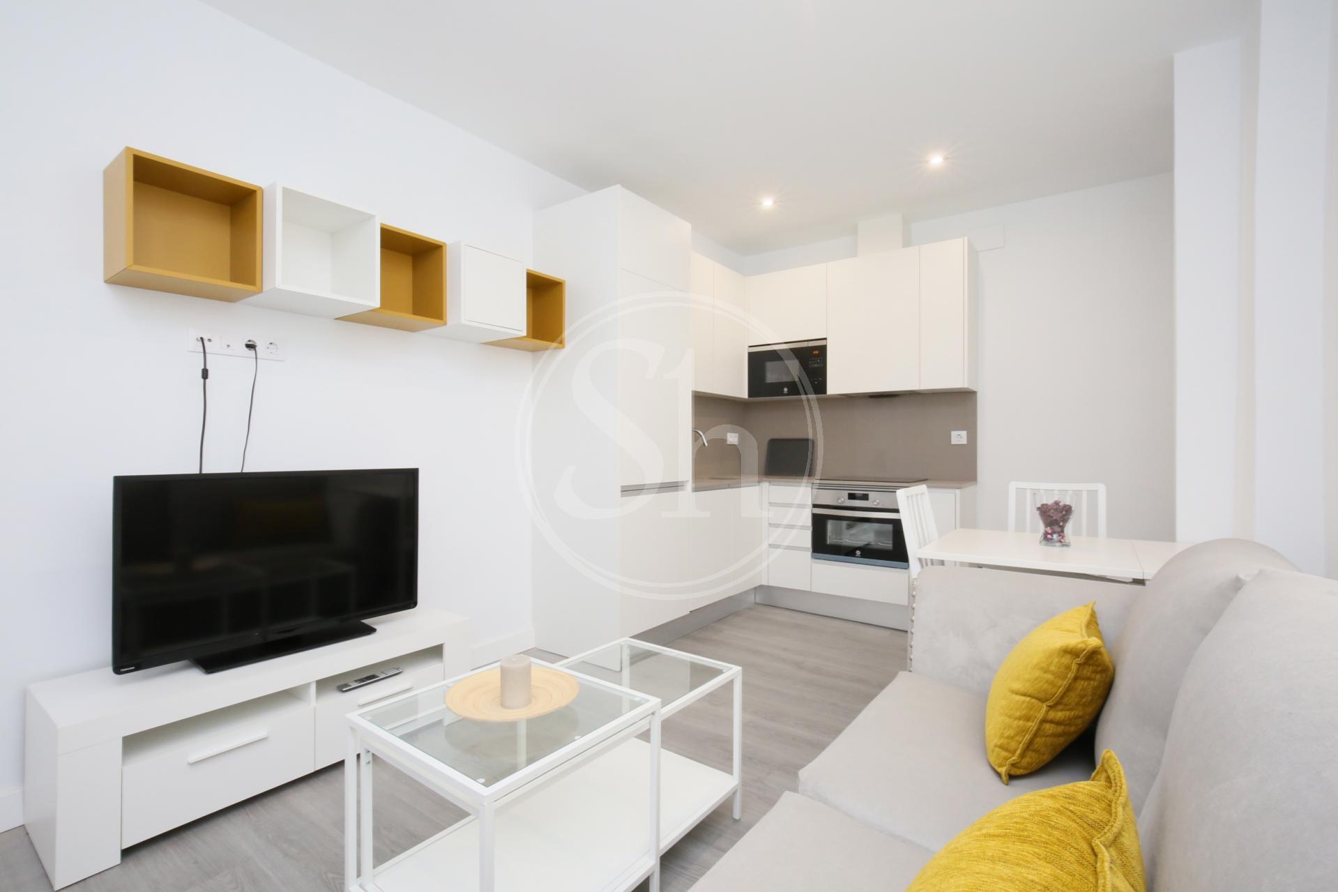 Apartment for Rent in Madrid Joaquín María López - Chamberí