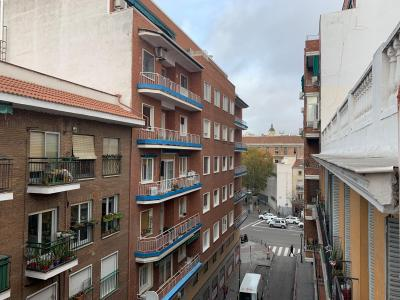 Appartement à louer à Madrid Alonso Del Barco - Glorieta De Embajadores