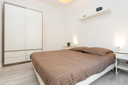 Modern newly renovated 2 bedroom flat to rent in Sants