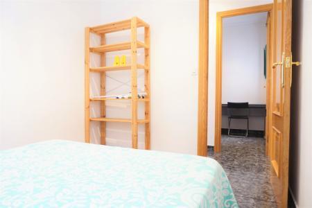 Appartement à louer à Barcelona Blesa - Nou De La Rambla