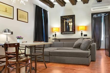 Piso en Alquiler en Barcelona Raval - Carretes