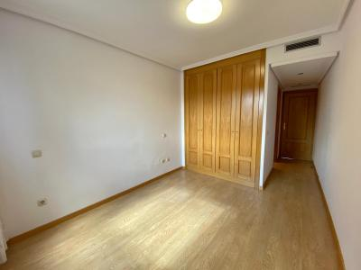 Apartment for Rent in Madrid Gonzalez Feito - Doce De Octubre