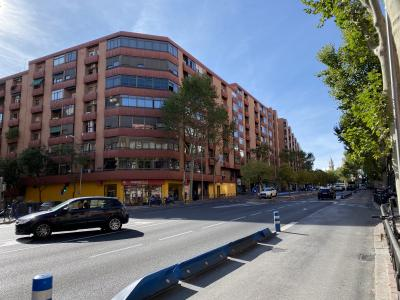 Piso de alquiler en C/ Sánchez Barcaiztegui cerca del Parque del Retiro