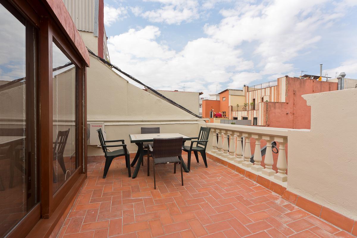 Shbarcelona appartement location poble sec sants montju c for Location appartement design barcelone