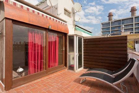 Beautiful penthouse for rent in Cabanes street - Paral.lel