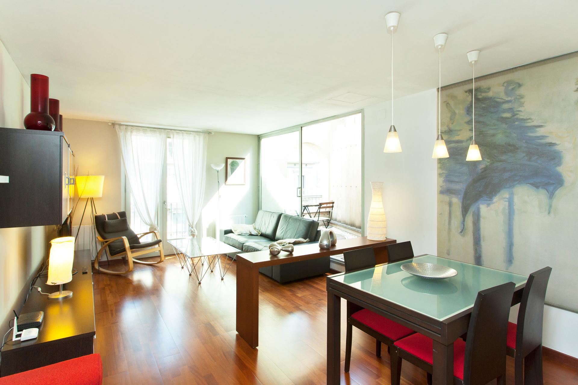 Luminoso appartamento con tre spaziose stanze da letto