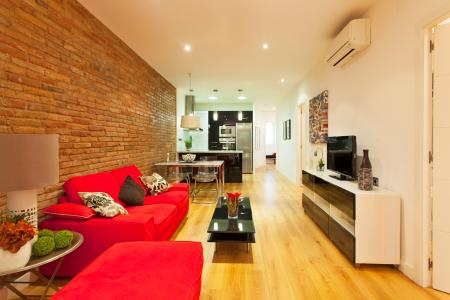 Appartement te huur in Barcelona Violant D Hongria - Metro Plaza Del Centro