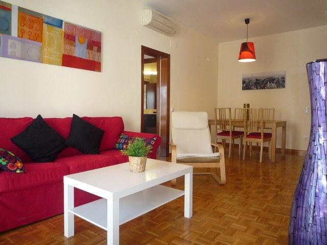 Appartement te huur in Barcelona Consell De Cent - Metro Urgell