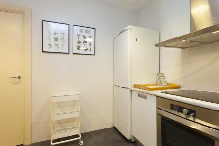 Temporary rental three bedroom flat near Plaza Catalunya