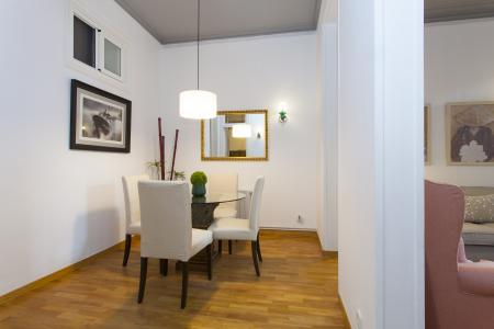 Moderno appartamento con tre stanze da letto in via Villarroel
