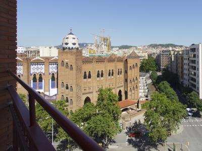 Pis en Lloguer a Barcelona Gran Via - Metro Monumental