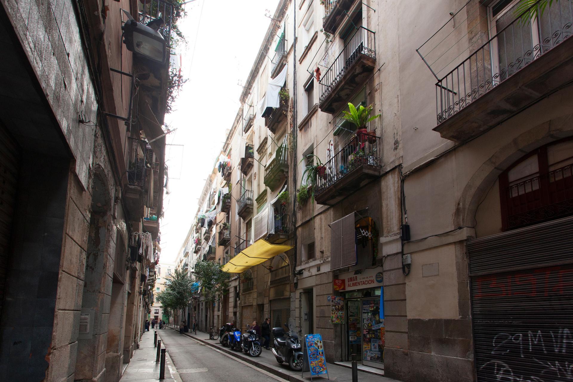 Piso en alquiler barcelona ciutat vella sant gil ronda for Piso de alquiler en barcelona