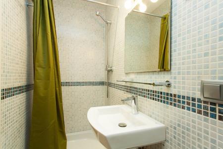 Apartamento de 2 dormitórios para alugar na Rua Entença