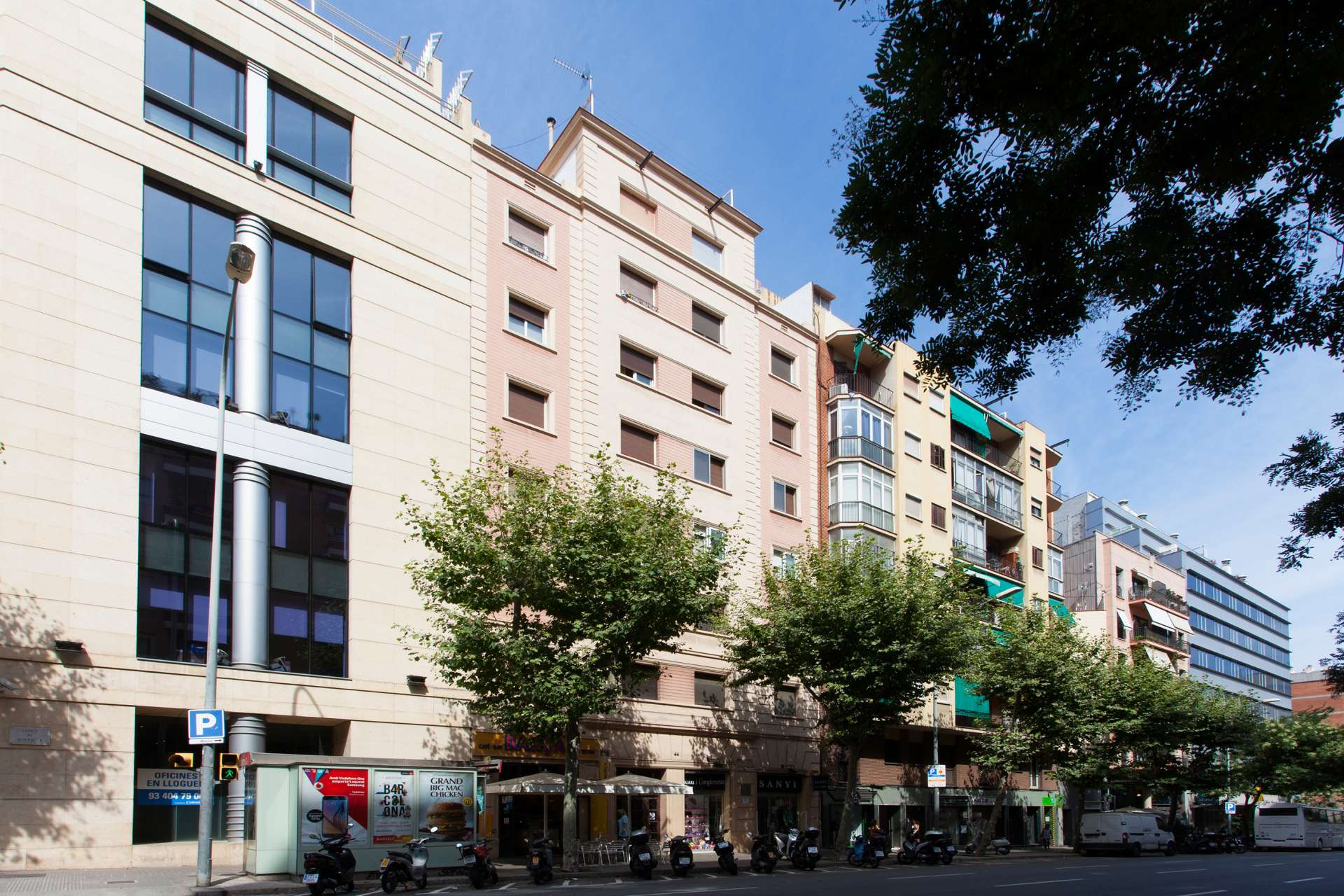 Shbarcelona Flat For Rent In Les Corts District