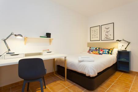 Apartamento mobiliado de aluguel temporário na r/ Hort de la Bomba