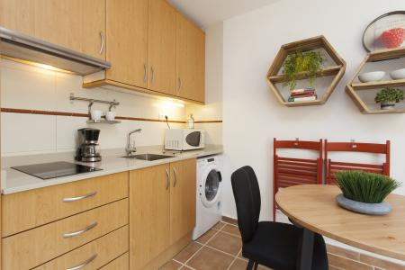 Appartement te huur in Barcelona Hort De La Bomba - Carretes