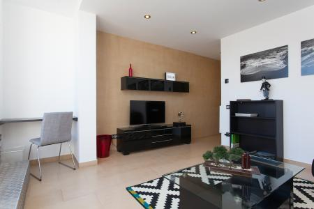 High-end 2 bedroom penthouse flat to rent L'Eixample