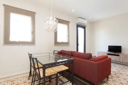 Luminoso piso con dos dormitorios y terraza en L'Eixample