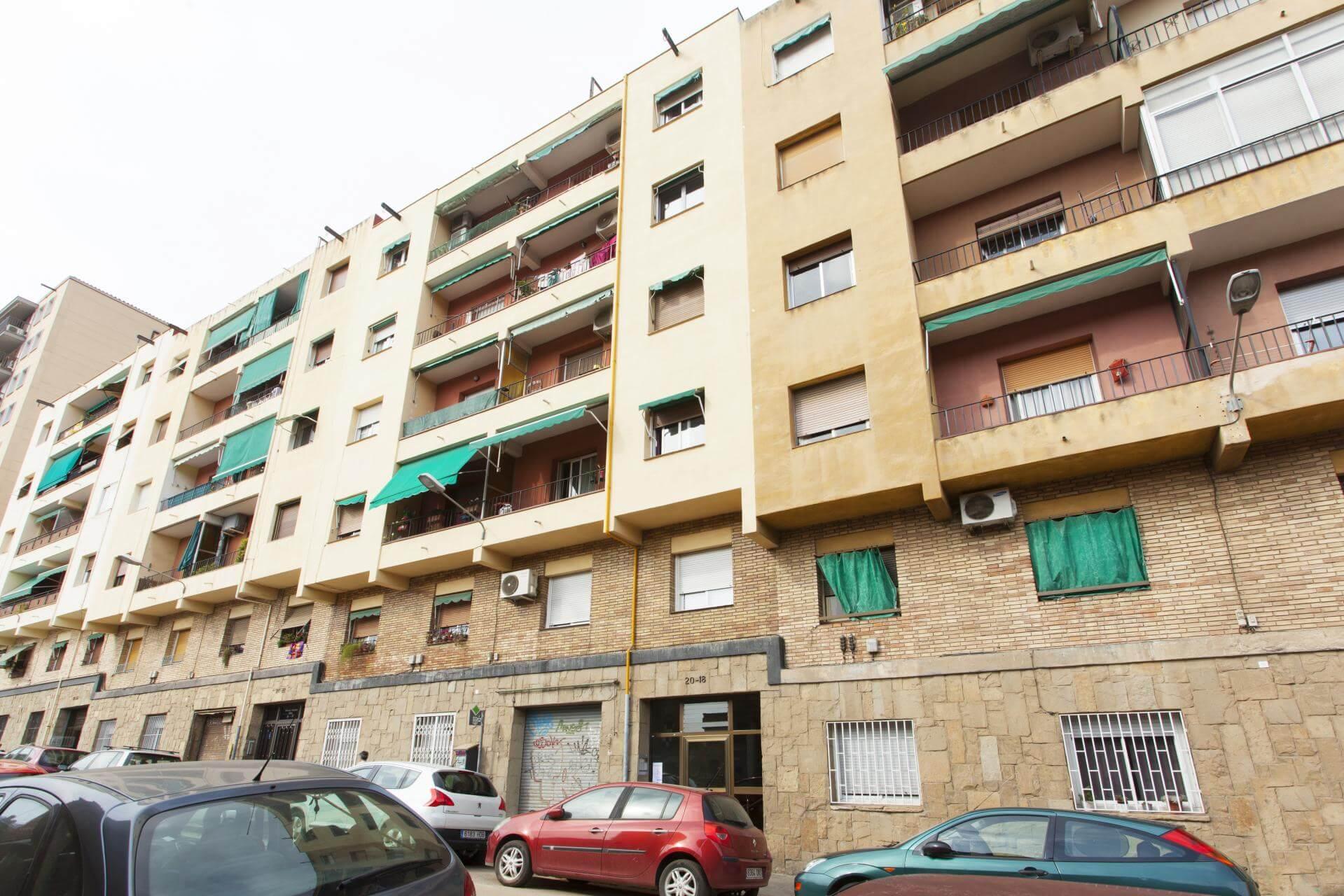 Shbarcelona appartement louer sants montju c barcelone for Location appartement design barcelone